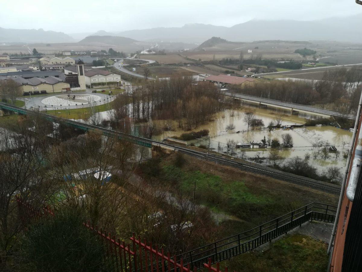 La crecida del Ebro provoca anegamientos en Haro y en Briñas 2
