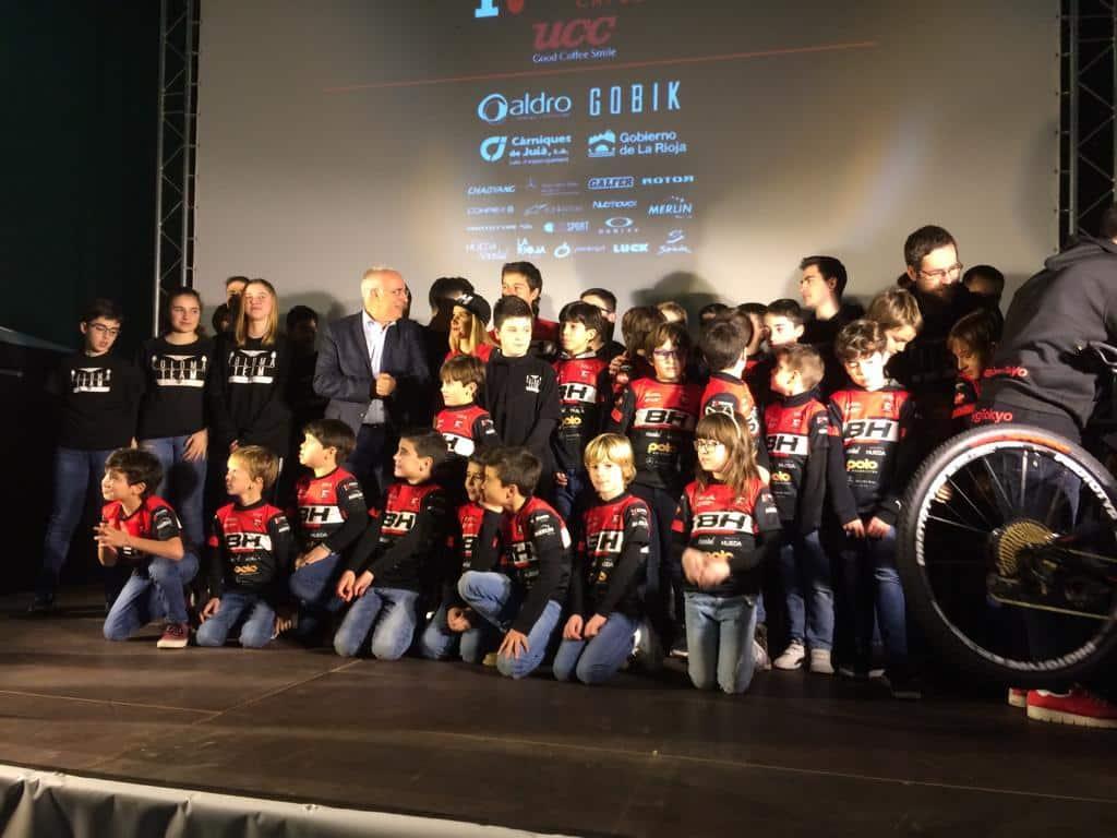 La jarrera María López se presenta con el nuevo equipo de Carlos Coloma, el BH Templo Cafés UCC 8