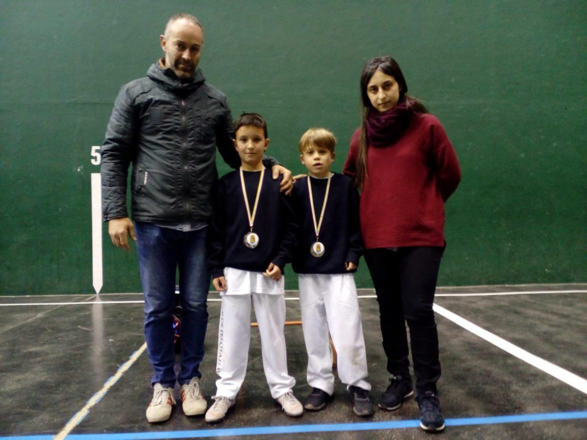 El Club Pelota Haro-Briones se corona como gran campeón autonómico de frontenis 3