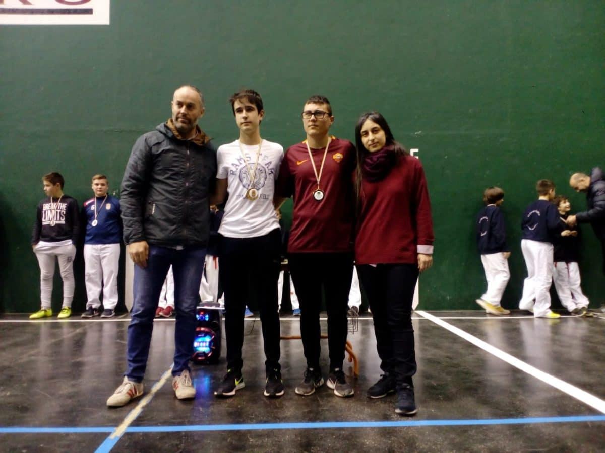 El Club Pelota Haro-Briones se corona como gran campeón autonómico de frontenis 4