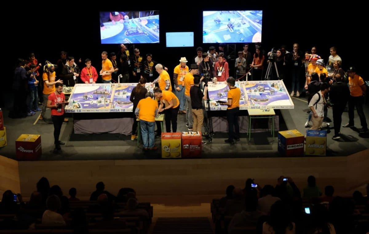 Menesianos de Santo Domingo y San Prudencio, ganadores de la First Lego League 10