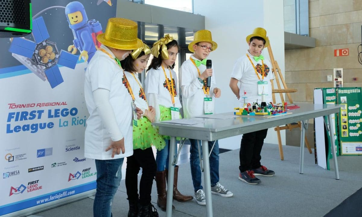 Menesianos de Santo Domingo y San Prudencio, ganadores de la First Lego League 16