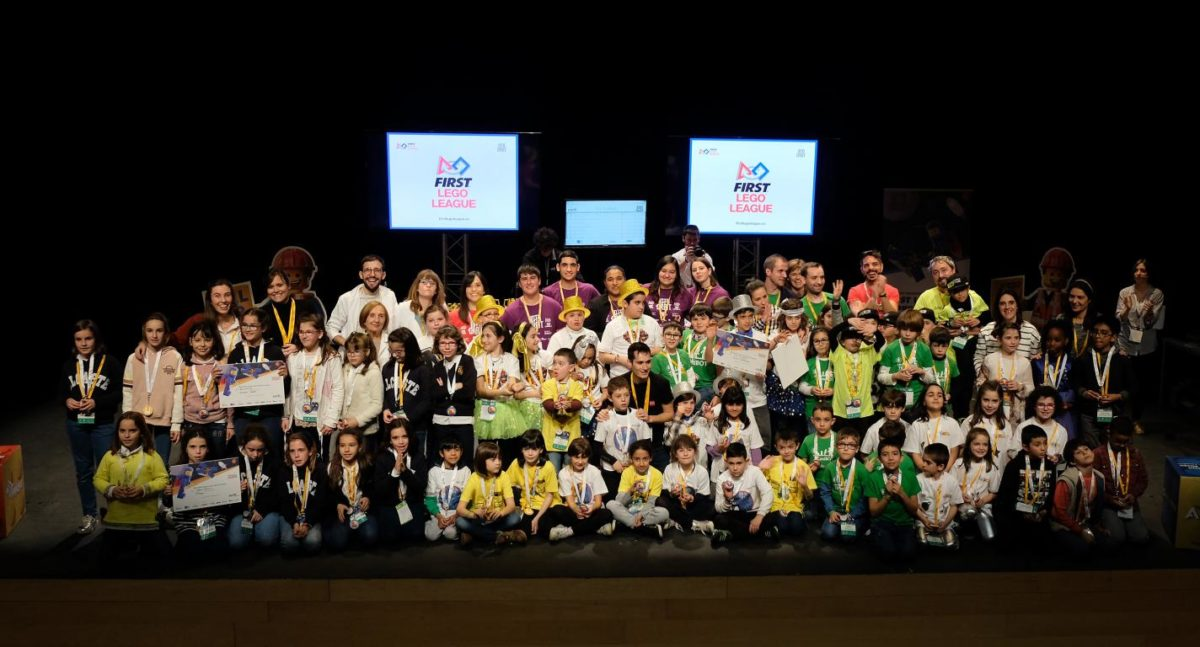 Menesianos de Santo Domingo y San Prudencio, ganadores de la First Lego League 21