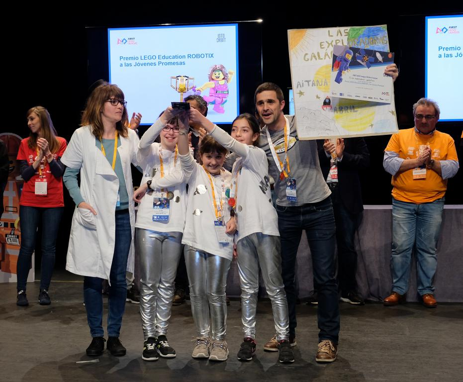 Menesianos de Santo Domingo y San Prudencio, ganadores de la First Lego League 28