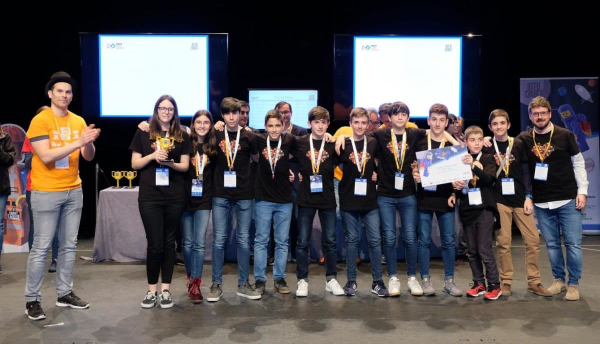 Menesianos de Santo Domingo y San Prudencio, ganadores de la First Lego League 30