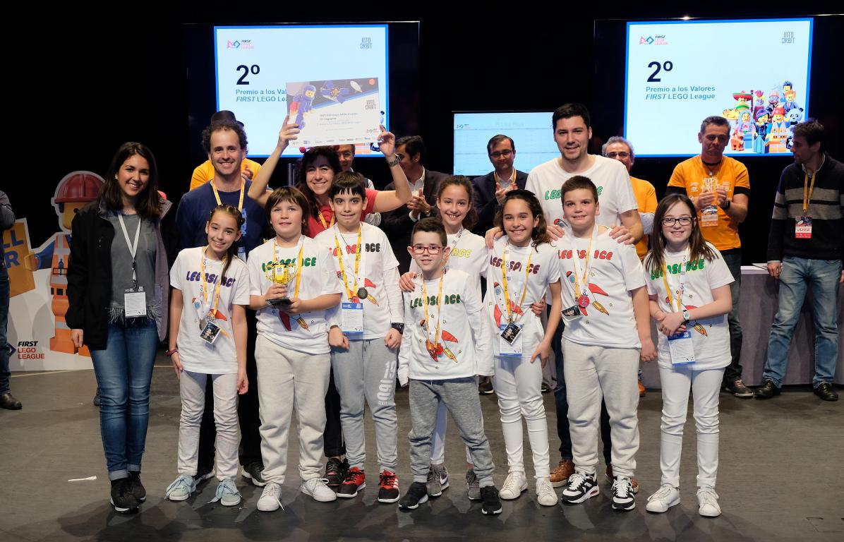 Menesianos de Santo Domingo y San Prudencio, ganadores de la First Lego League 37
