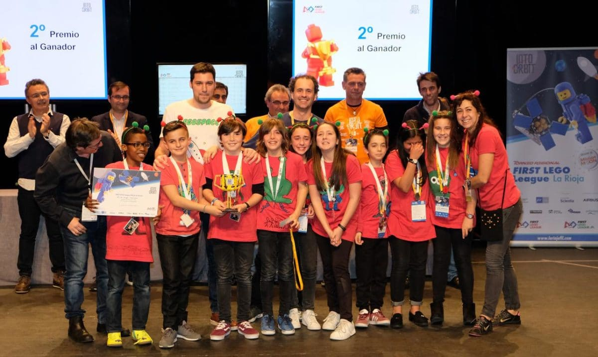 Menesianos de Santo Domingo y San Prudencio, ganadores de la First Lego League 39