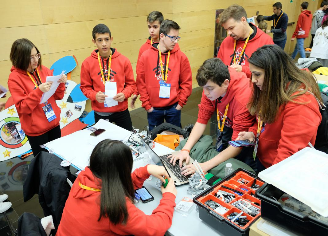 Menesianos de Santo Domingo y San Prudencio, ganadores de la First Lego League 7