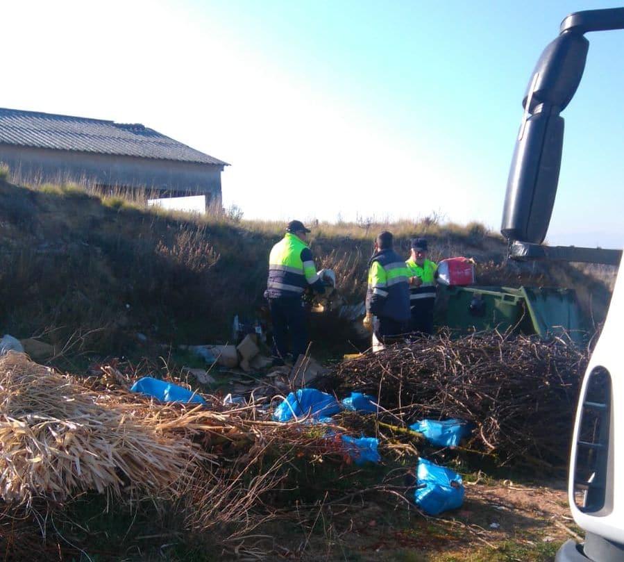 El Ayuntamiento de Haro vuelve a denunciar el vertido de desechos en el antiguo vertedero de Villalba 1