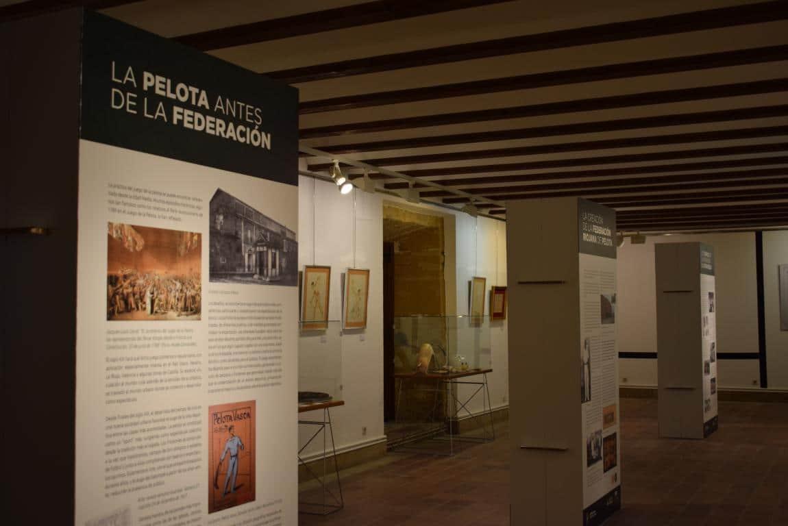 La exposición por el 75 aniversario de la Federación Riojana de Pelota llega a Haro 1