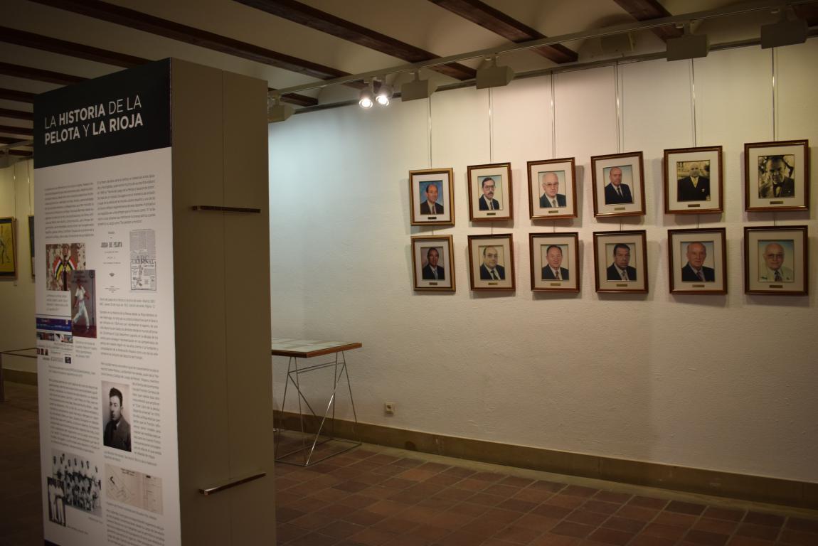 La exposición por el 75 aniversario de la Federación Riojana de Pelota llega a Haro 2