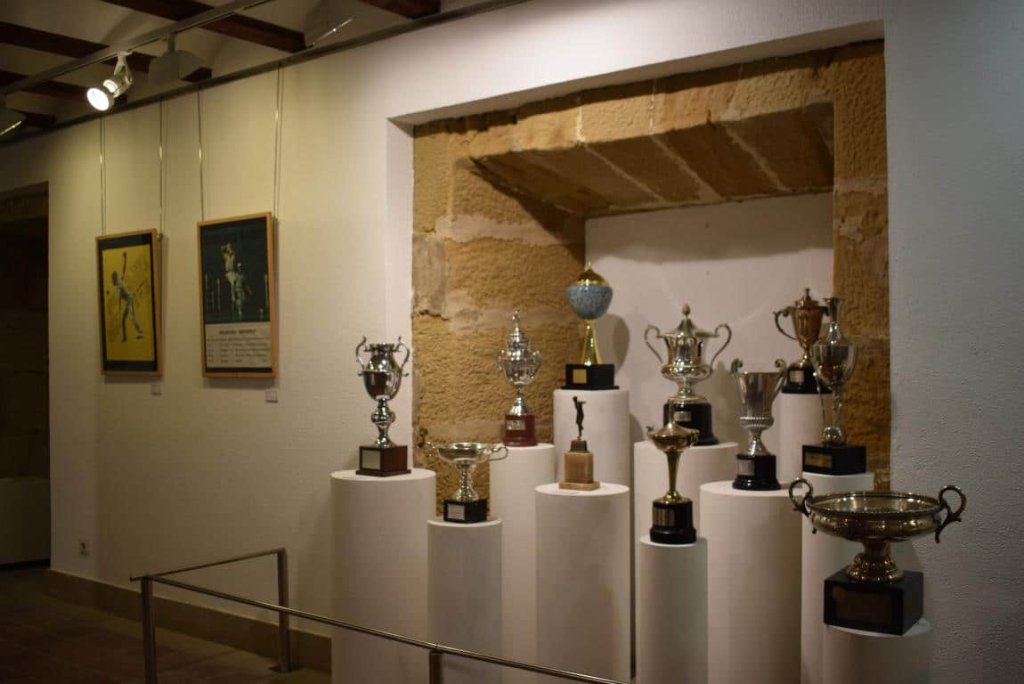 La exposición por el 75 aniversario de la Federación Riojana de Pelota llega a Haro 4
