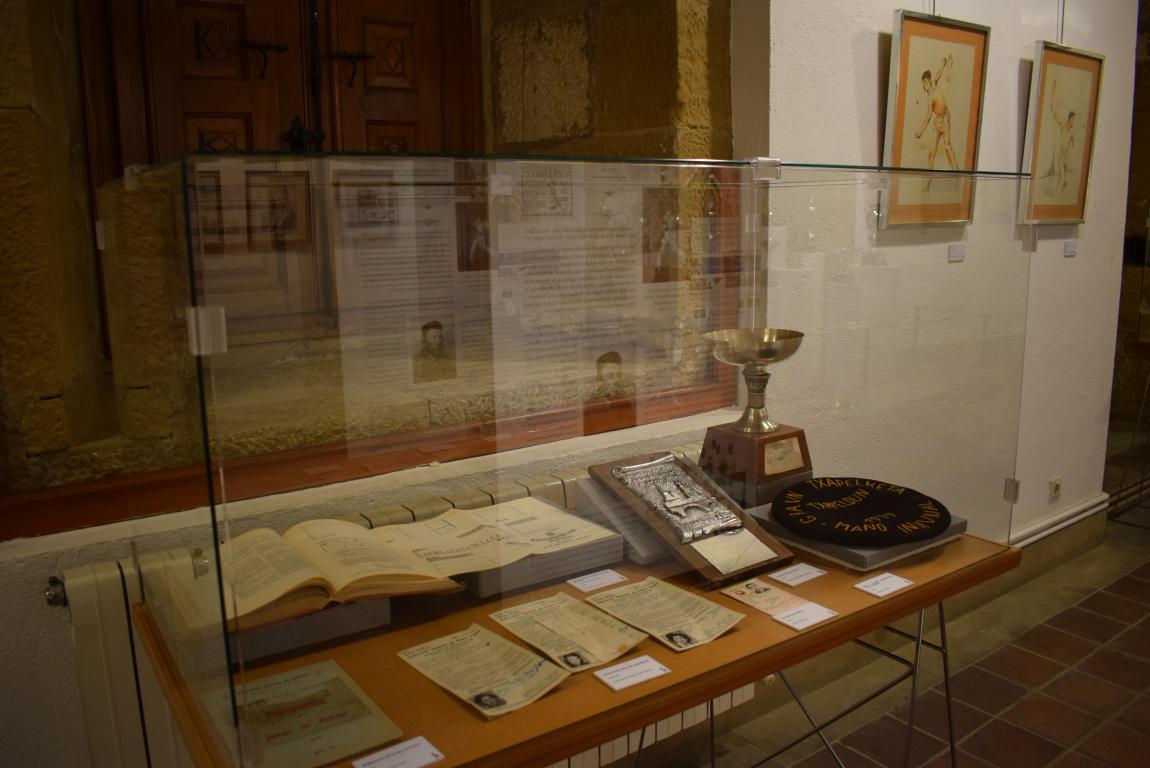 La exposición por el 75 aniversario de la Federación Riojana de Pelota llega a Haro 6