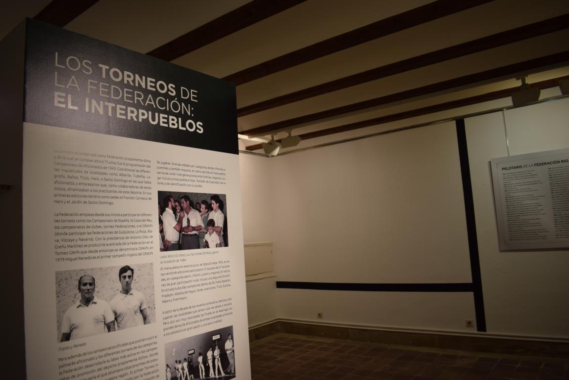 La exposición por el 75 aniversario de la Federación Riojana de Pelota llega a Haro 7
