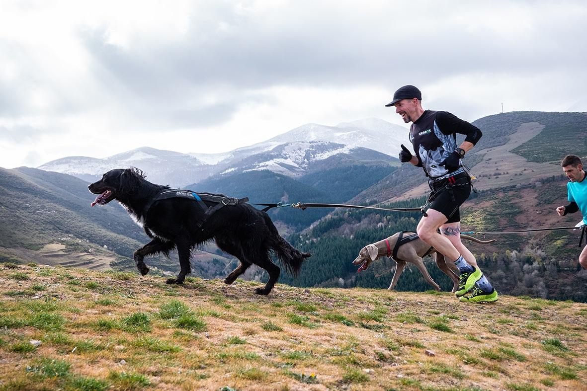150 corredores de 14 provincias participan en la quinta edición del Canicross Demanda Xtrem 1