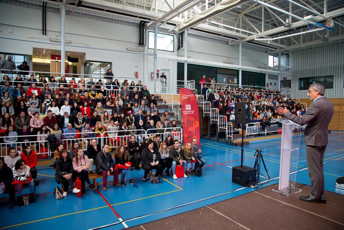 400 futuros estudiantes participan en las jornadas de puertas abiertas de la UR 10