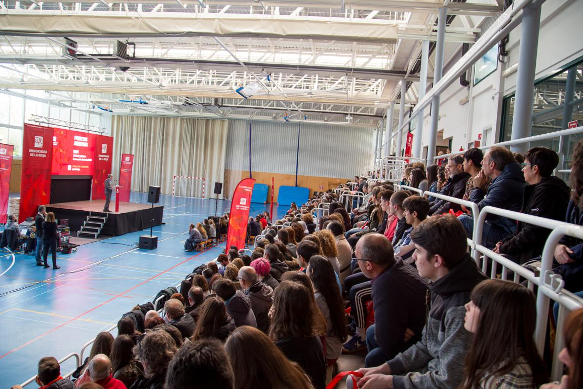 400 futuros estudiantes participan en las jornadas de puertas abiertas de la UR 11