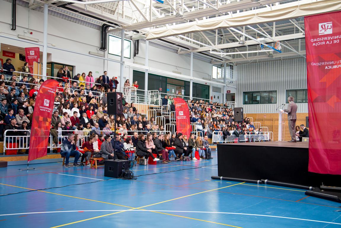 400 futuros estudiantes participan en las jornadas de puertas abiertas de la UR 12