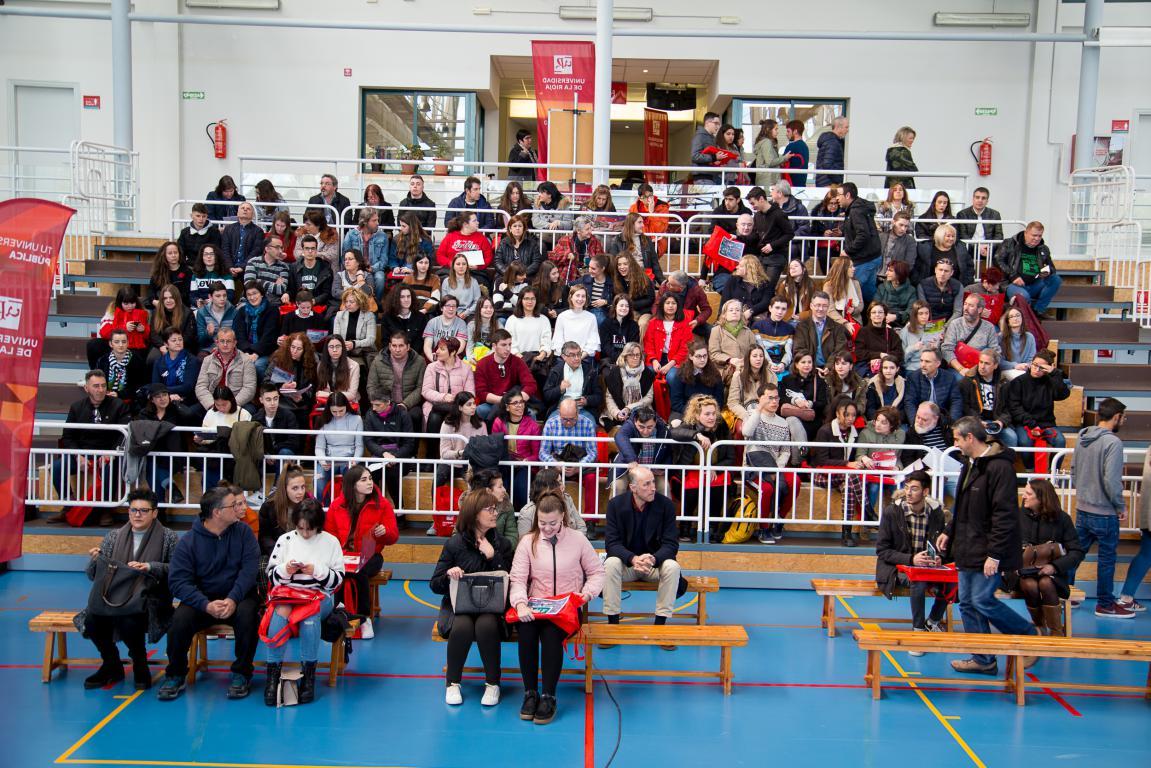 400 futuros estudiantes participan en las jornadas de puertas abiertas de la UR 4