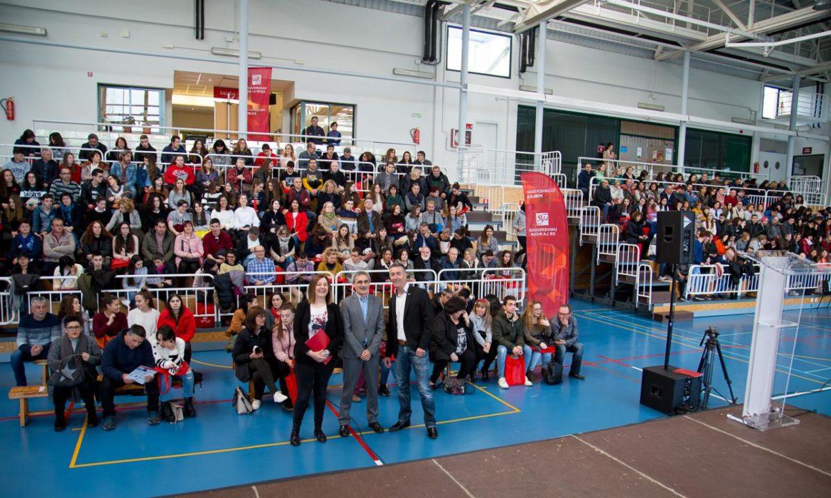400 futuros estudiantes participan en las jornadas de puertas abiertas de la UR 7