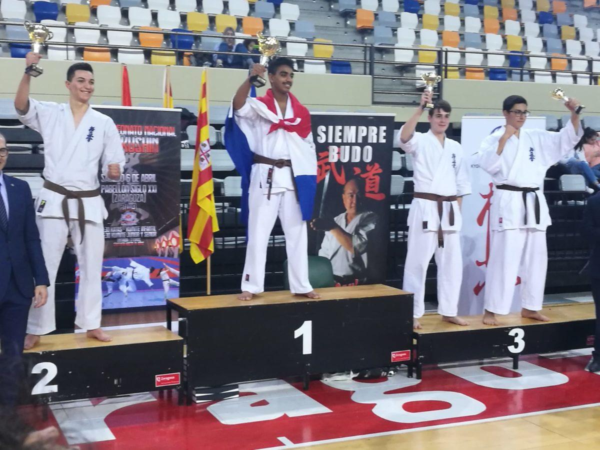 Adrián Para e Iván Olarte suben al podio en el Campeonato de España de Kyokushin 3