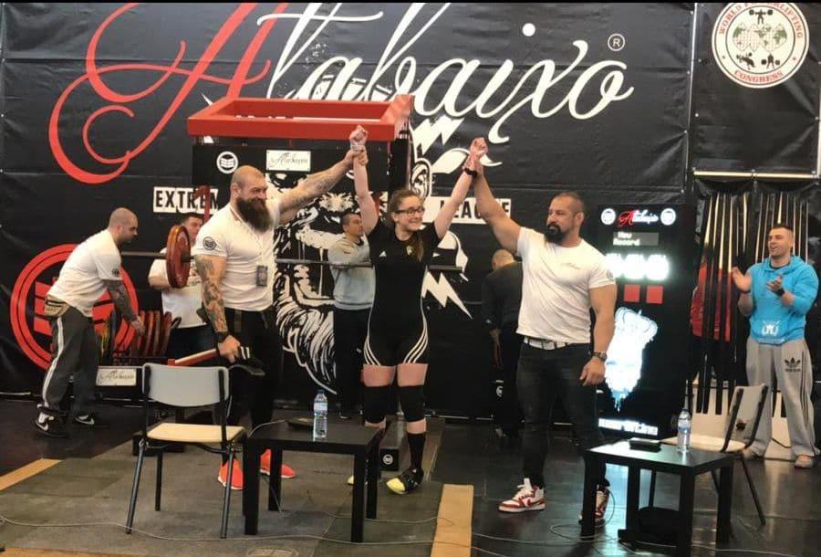 Claudia Campino, campeona del Iberoamericano de Powerlifting con cuatro récords mundiales 1