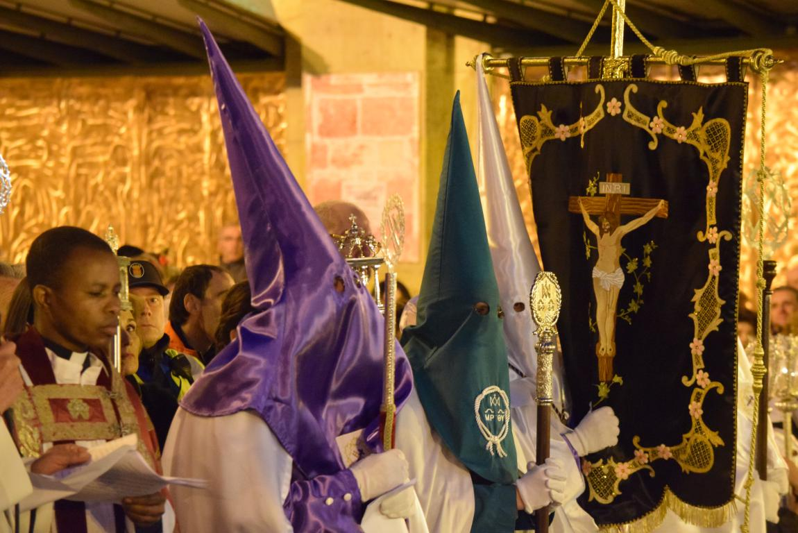 El Encuentro conmueve en la noche del Miércoles Santo en Haro 3
