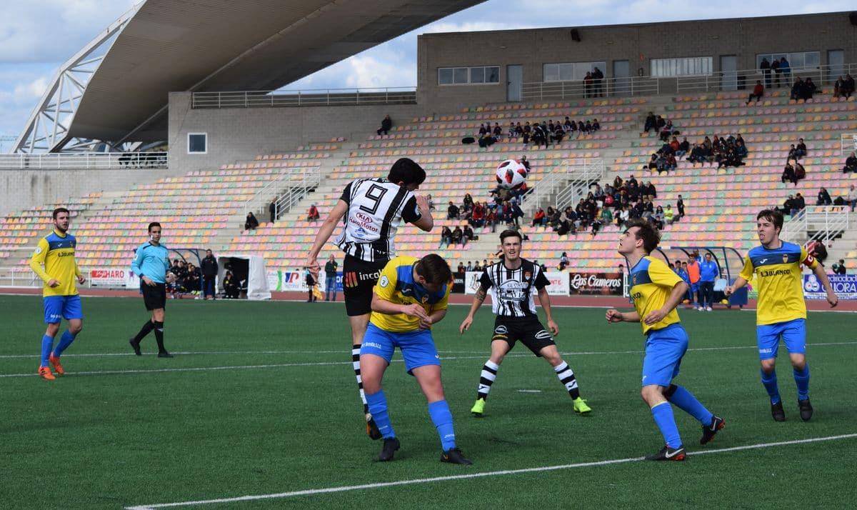 El Haro golea al Rapid y asegura el playoff 12