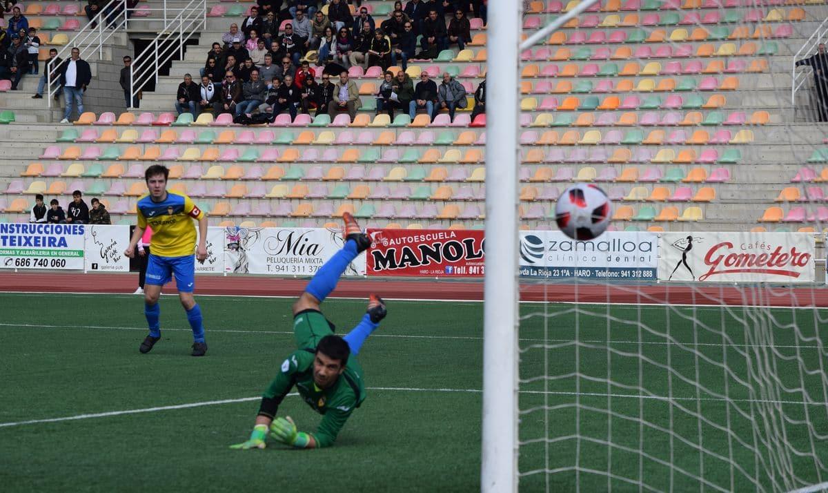 El Haro golea al Rapid y asegura el playoff 7