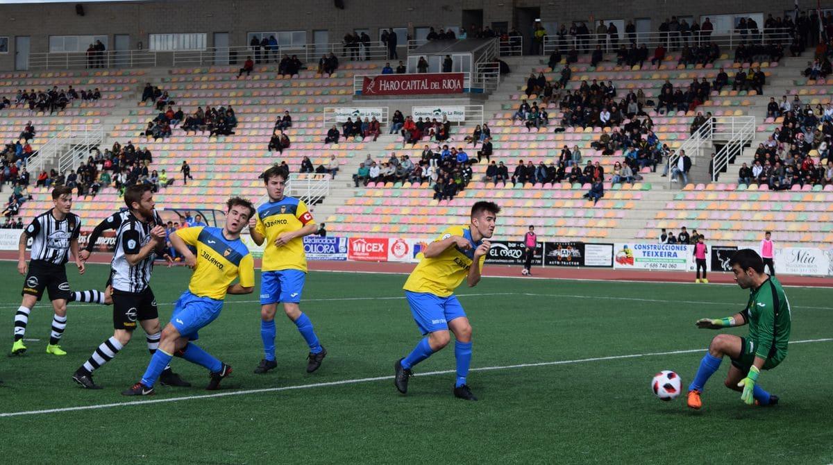 El Haro golea al Rapid y asegura el playoff 9