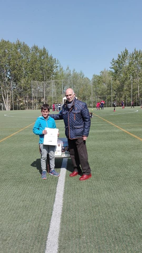 El Haro Sport Club alza el trofeo del torneo cadete Haro Capital del Rioja 10