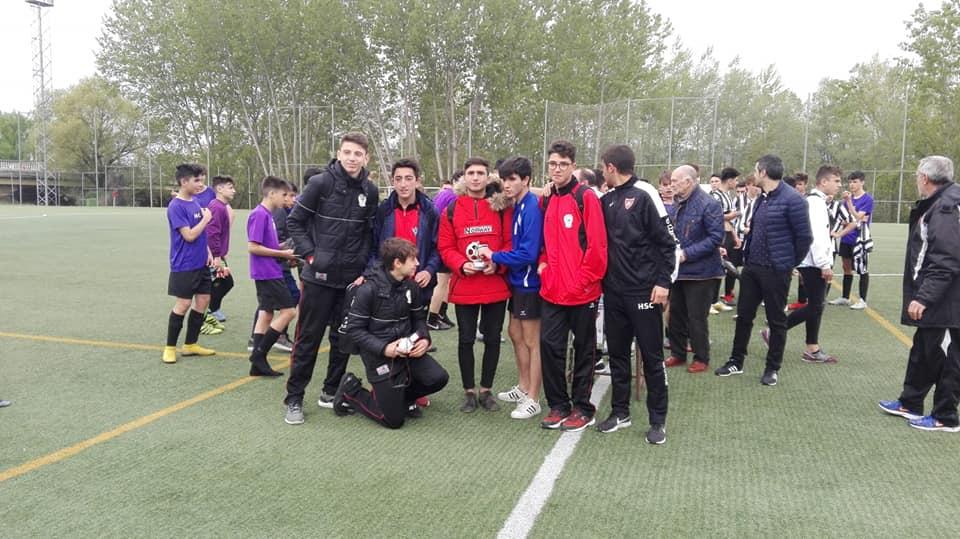 El Haro Sport Club alza el trofeo del torneo cadete Haro Capital del Rioja 1