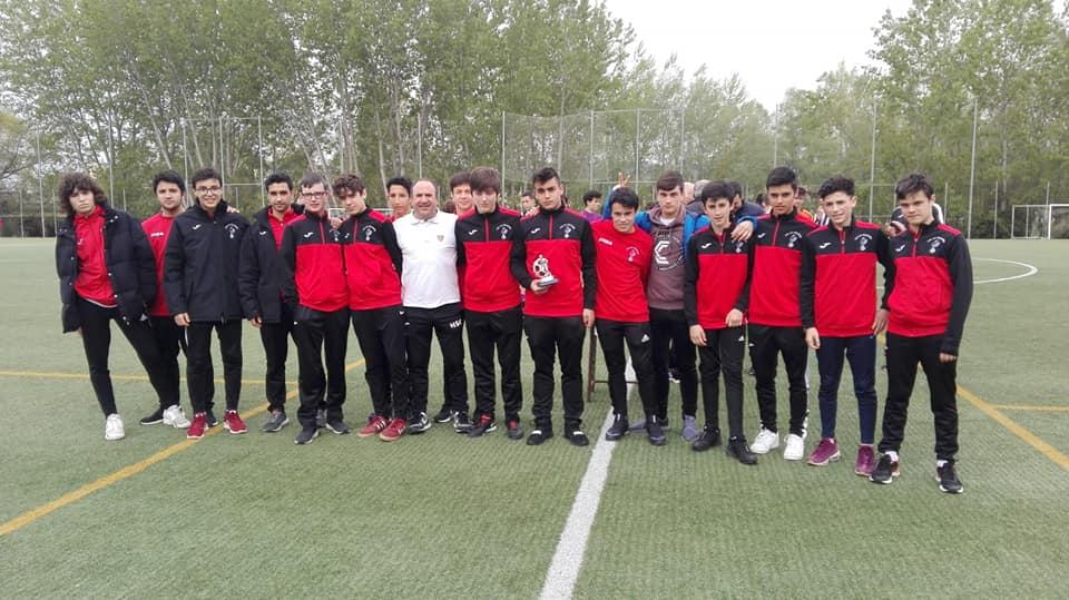 El Haro Sport Club alza el trofeo del torneo cadete Haro Capital del Rioja 2