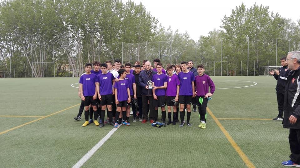El Haro Sport Club alza el trofeo del torneo cadete Haro Capital del Rioja 3