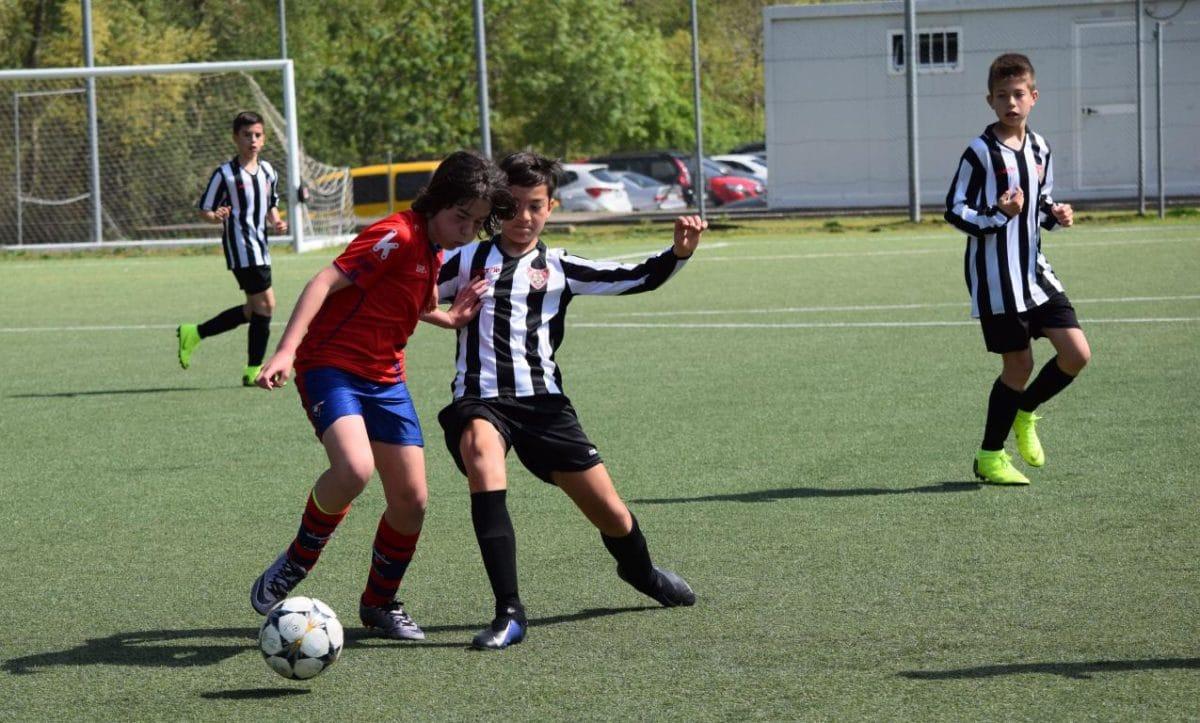 El Haro Sport Club, campeón del torneo alevín Haro Capital del Rioja 15