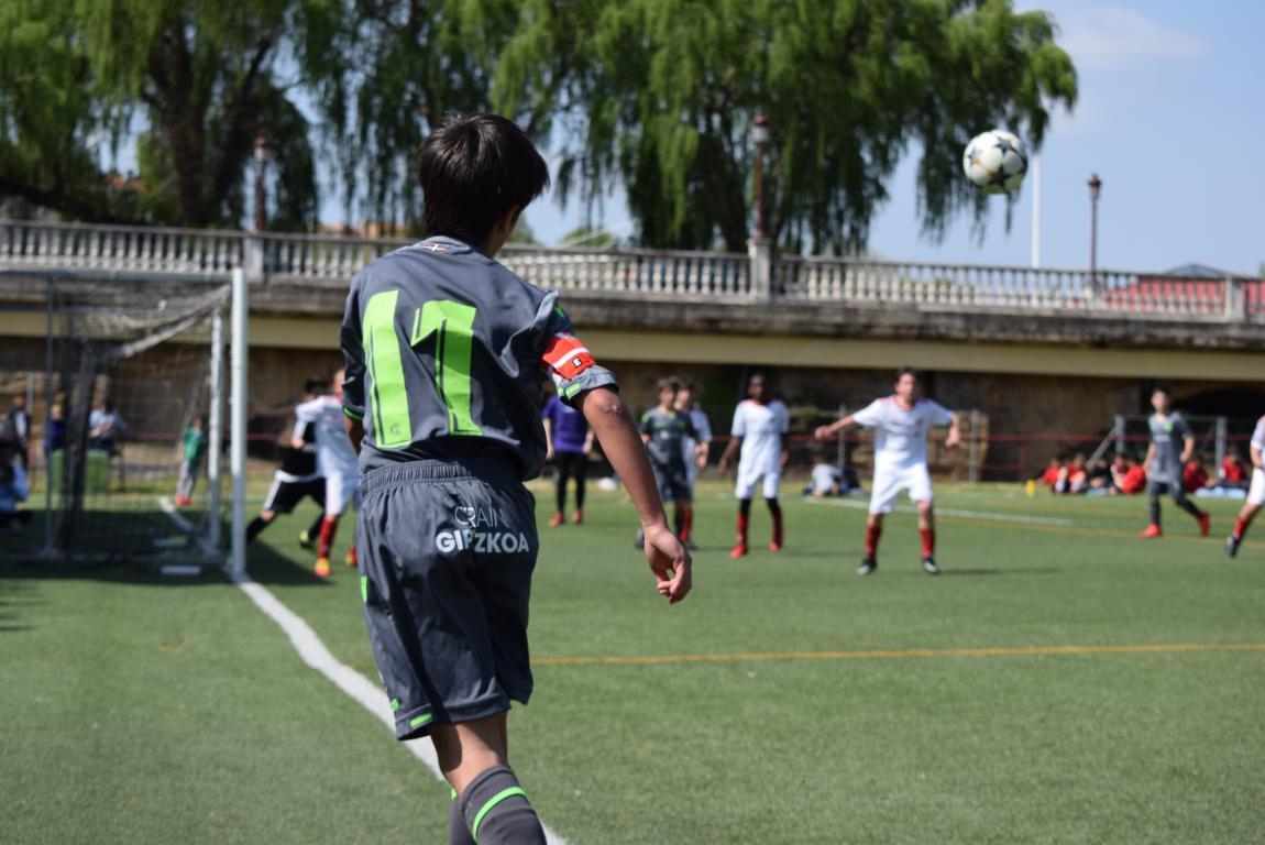 El Haro Sport Club, campeón del torneo alevín Haro Capital del Rioja 24