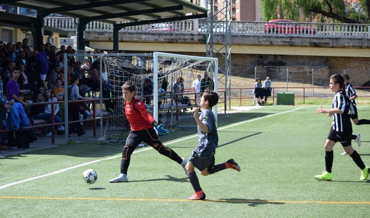 El Haro Sport Club, campeón del torneo alevín Haro Capital del Rioja 46