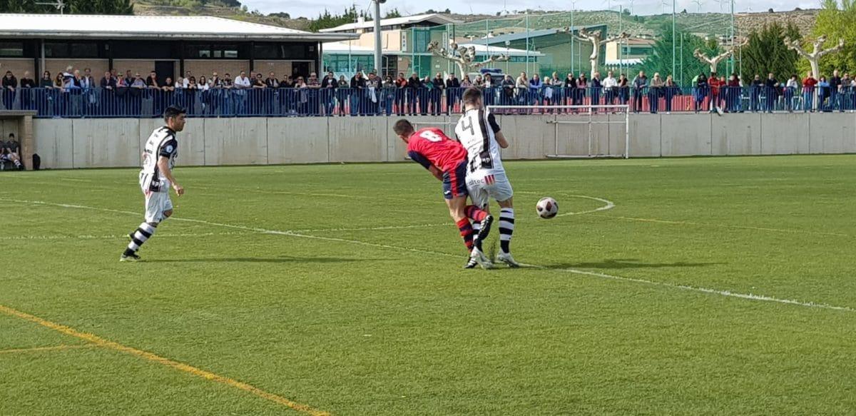 Goleada del Haro en Viana y un partido menos para el título 11