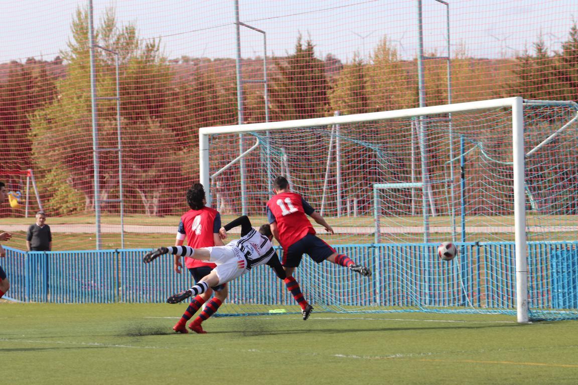 Goleada del Haro en Viana y un partido menos para el título 17