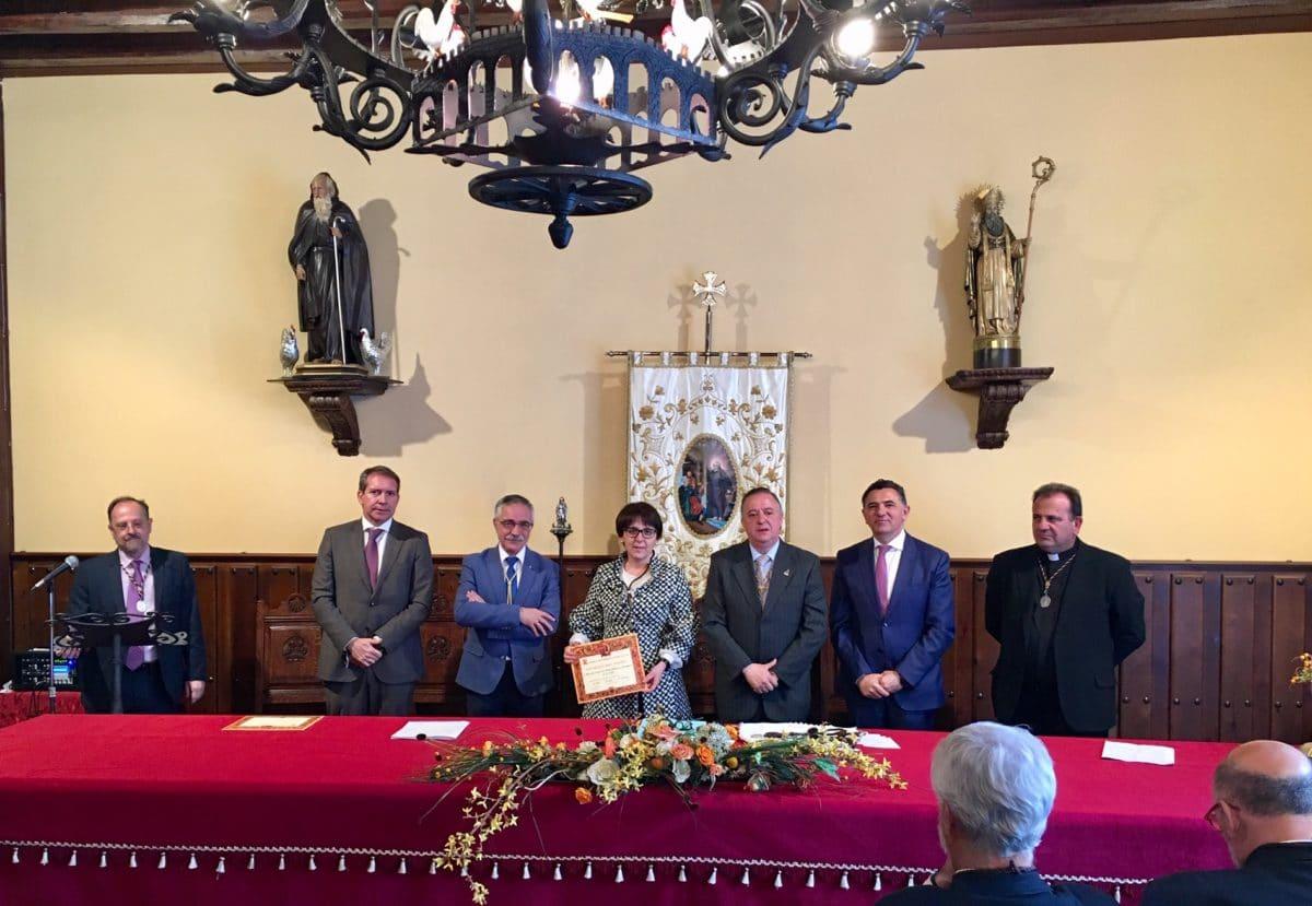 La Cofradía del Santo impone las medallas a las direcciones generales de Carreteras de las Comunidades Autónommas y Tráfico 1
