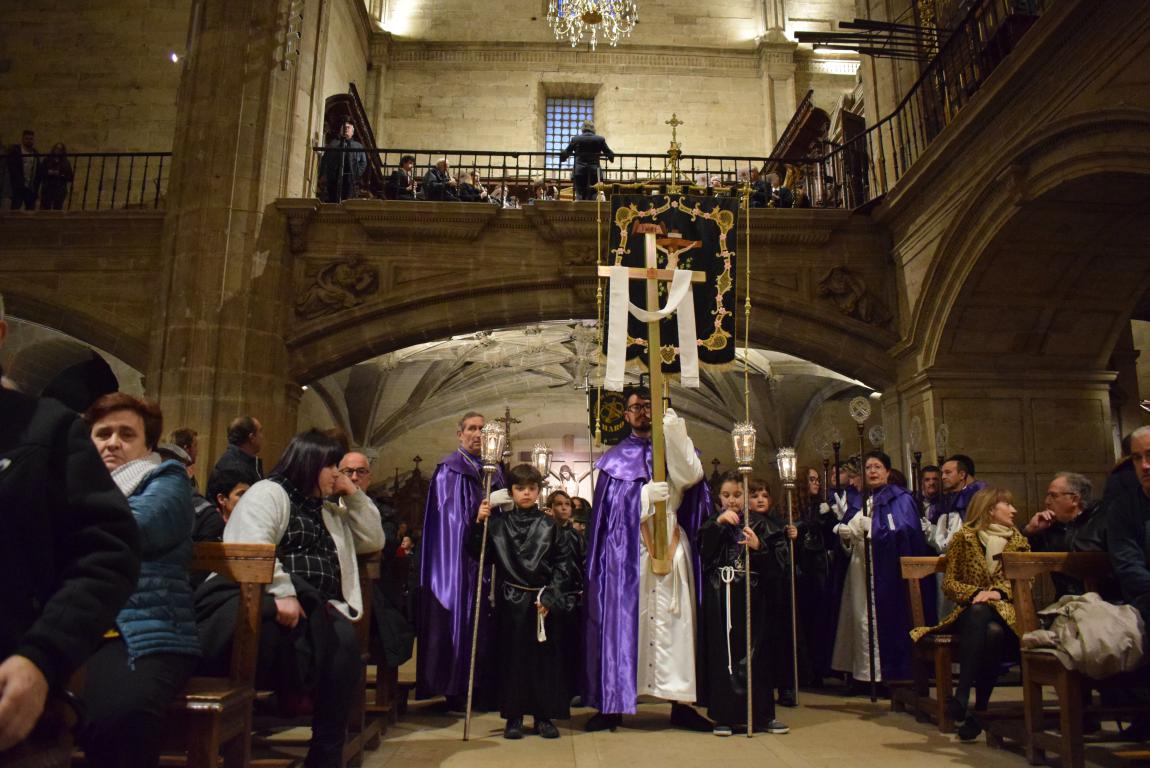 La lluvia obliga a trasladar la procesión de Jueves Santo a la parroquia 19