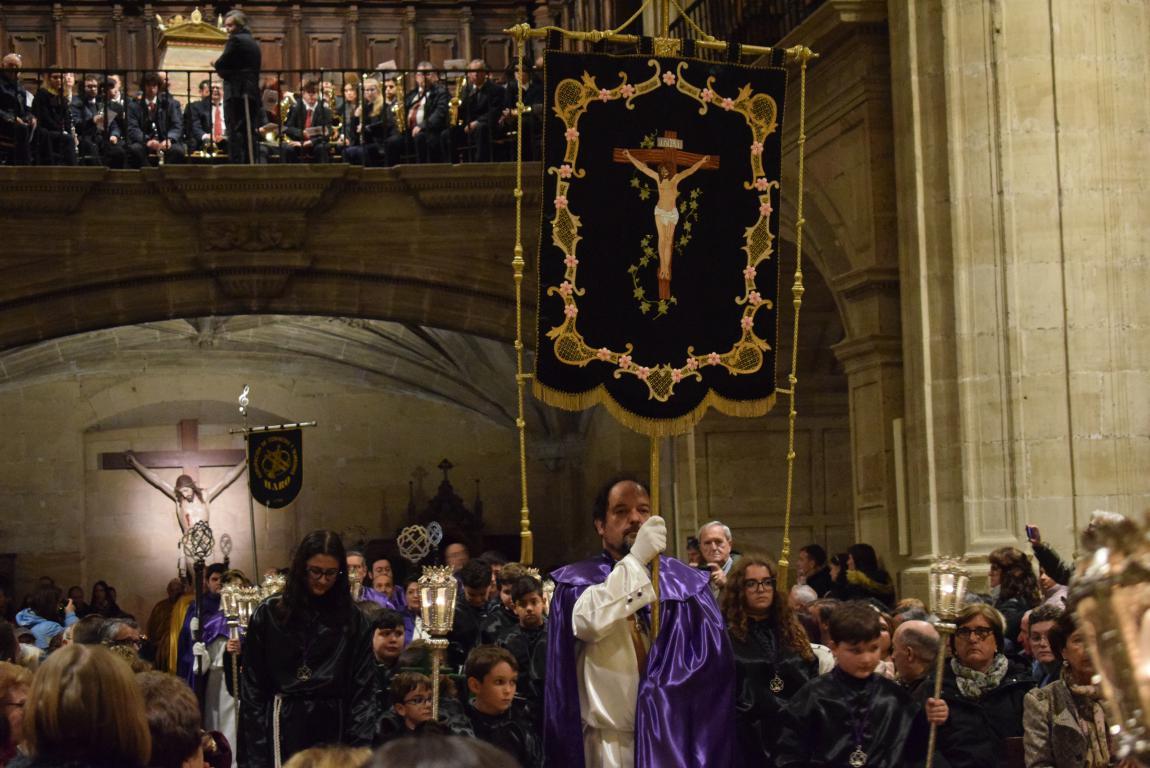 La lluvia obliga a trasladar la procesión de Jueves Santo a la parroquia 16