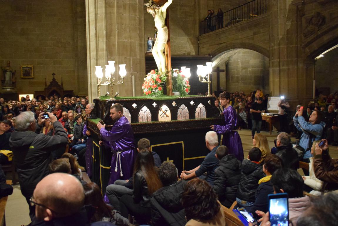 La lluvia obliga a trasladar la procesión de Jueves Santo a la parroquia 6