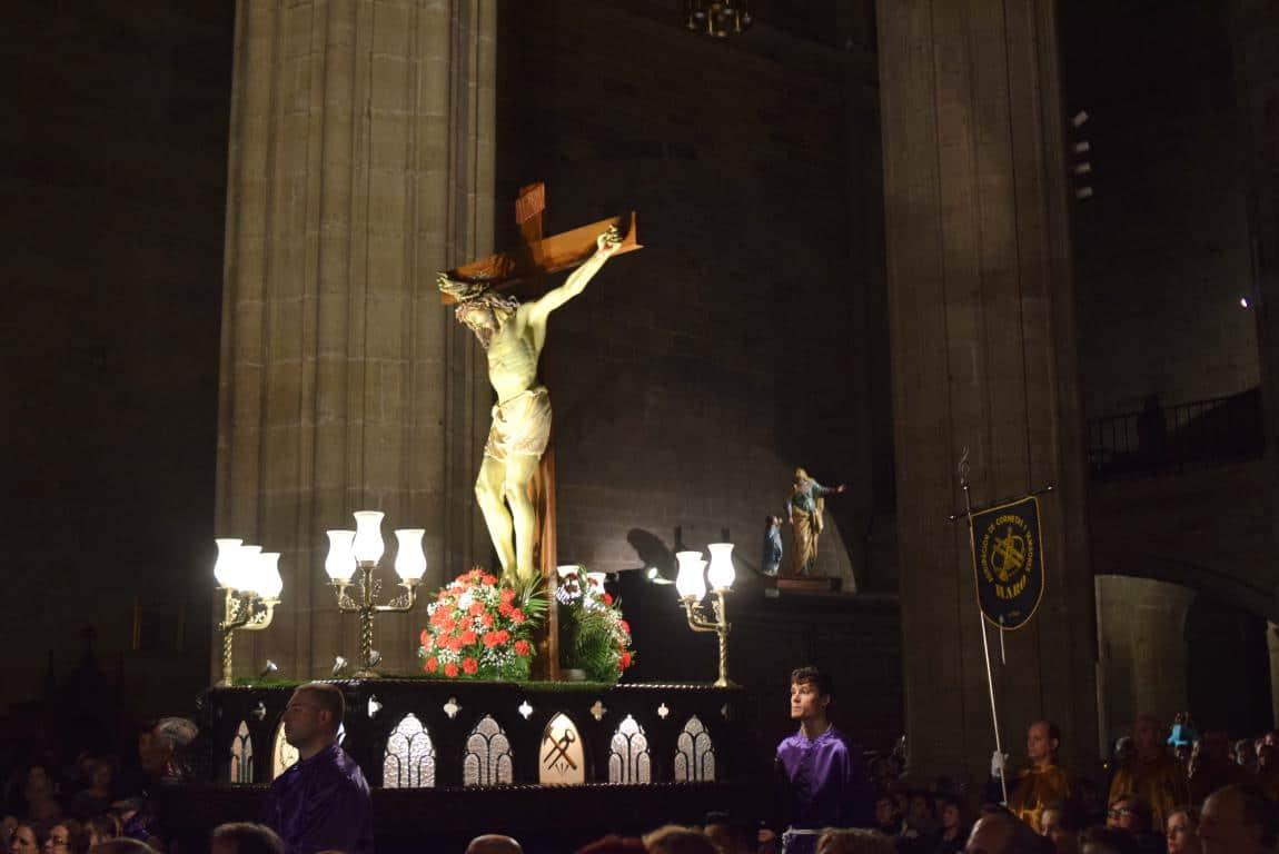 La lluvia obliga a trasladar la procesión de Jueves Santo a la parroquia 26