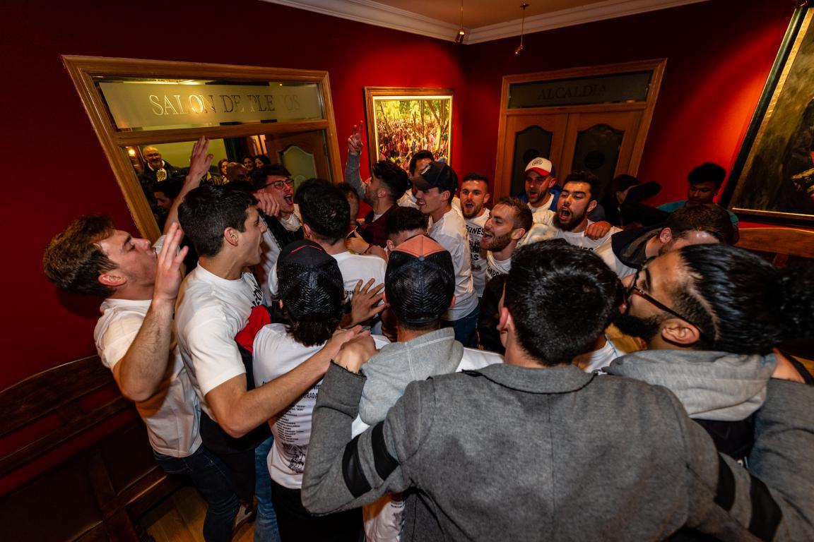 Las imágenes de la celebración del campeonato de liga del Haro Deportivo 13