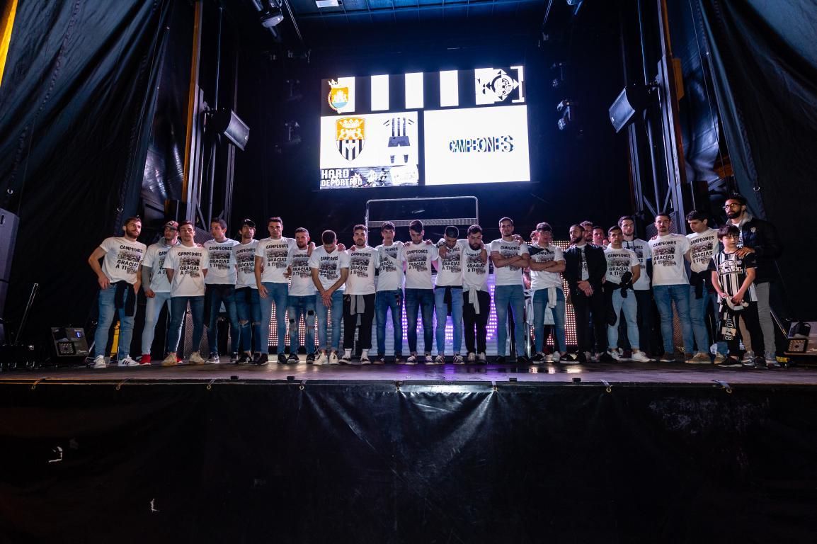 Las imágenes de la celebración del campeonato de liga del Haro Deportivo 2