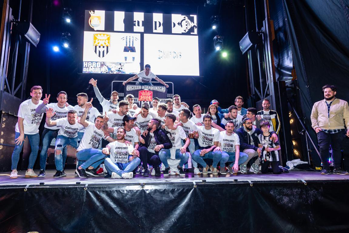Las imágenes de la celebración del campeonato de liga del Haro Deportivo 1