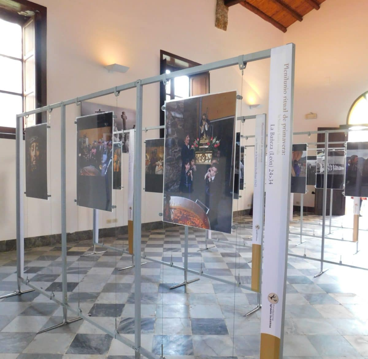 Los 'picaos' de San Vicente de la Sonsierra en Palermo 2