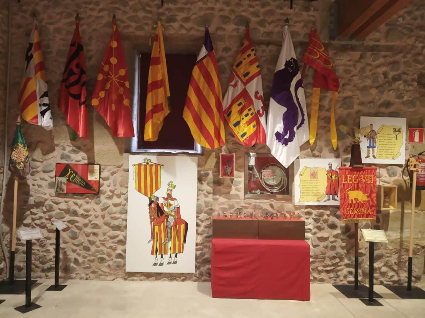 Una exposición en Santo Domingo recorre la historia de la bandera española 1