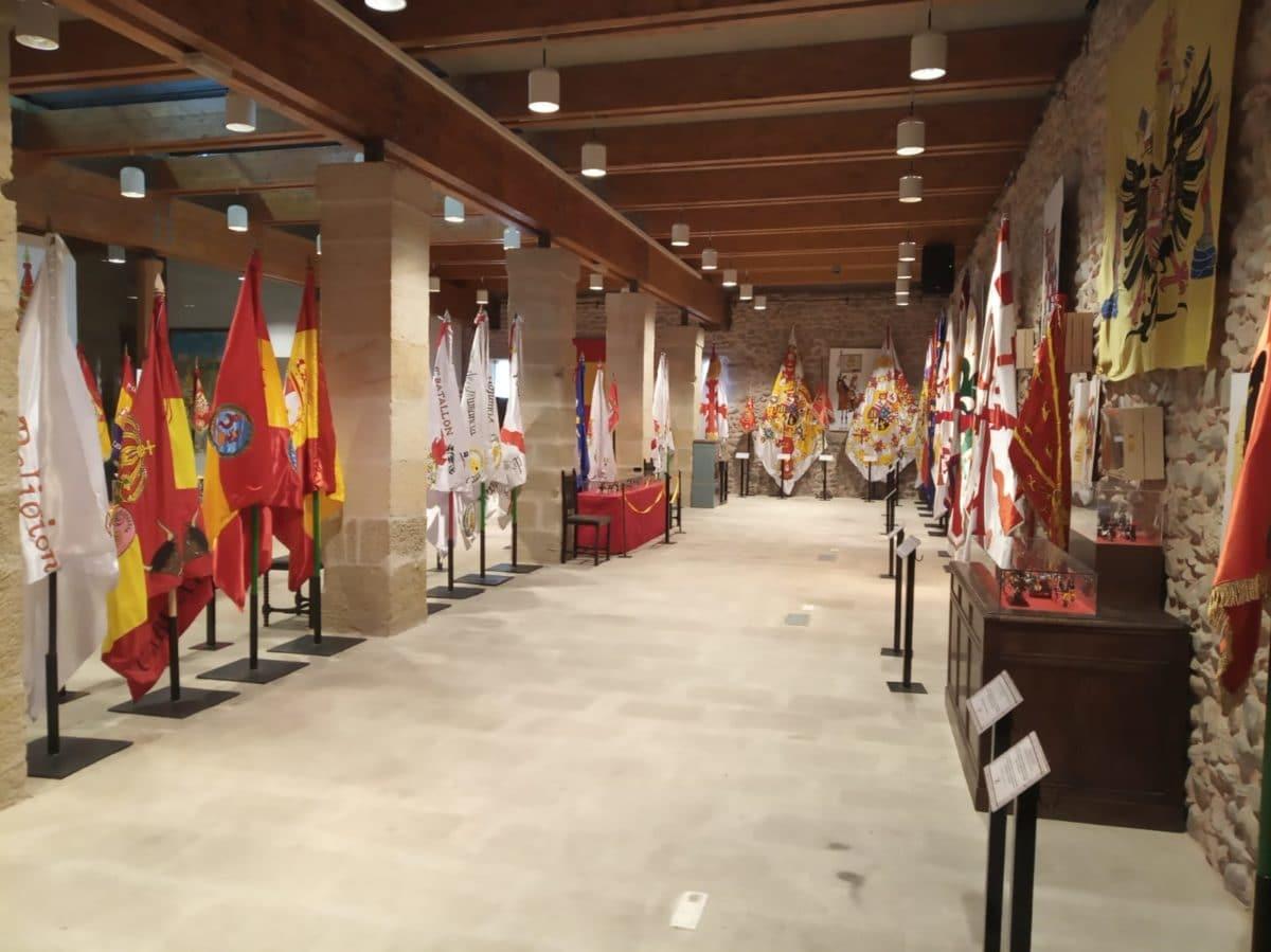Una exposición en Santo Domingo recorre la historia de la bandera española 2